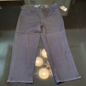 NWT Eddie Bauer Elysian Curvy Crop Jeans